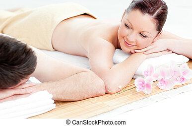 par, jovem, tabela massagem, mentindo, amando