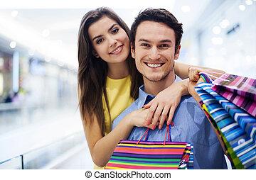 par, köpcenter, älskande