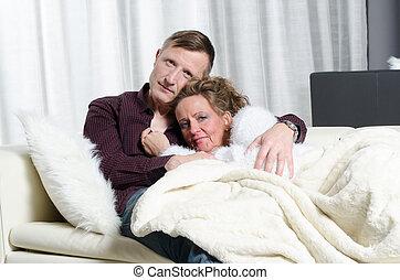 par, ligado, sofá