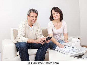 par, maduras, família, finanças