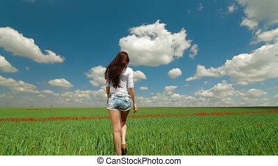 par, marche, femme, champ vert