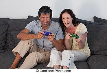 par, på, sofa, boldspil spille video
