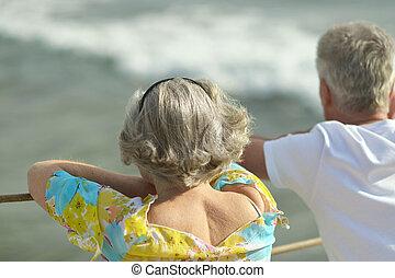 par, praia, idoso