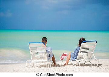 par, relaxe, ligado, um, praia tropical