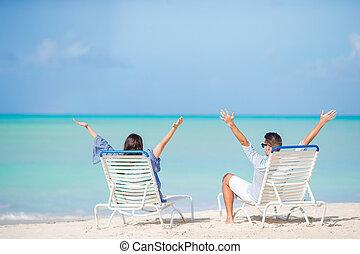 par, relaxe, ligado, um, praia tropical, em, maldives