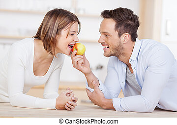 par, rir, jovem