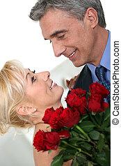 par romântico, com, rosas vermelhas