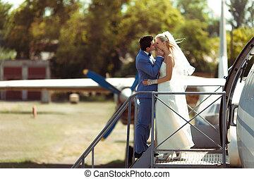 par romântico, em, a, ventoso, dia casamento