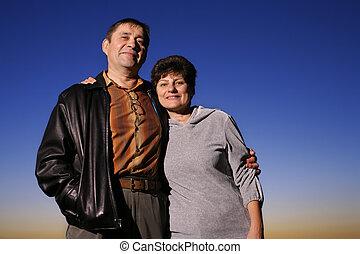 par, sammen, solnedgang, moden, udendørs, portræt, glade