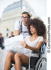 par, senhora, cadeira rodas, mapa