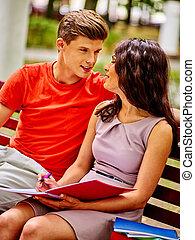par, student, med, anteckningsbok, outdoor.