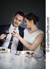 par, tempo jantar, durante, brindar, vinho