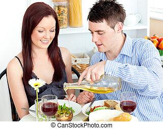 par, tendo, cozinha, jantar, jovem