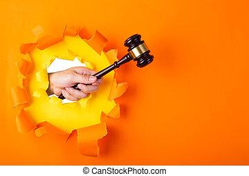 par, tenue, marteau, déchiré, mur, main, papier, juge, orange