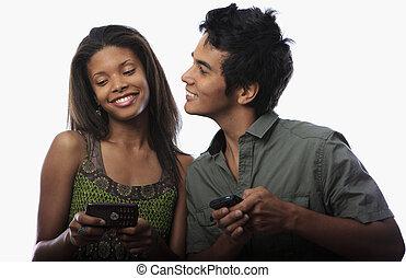 par, texting, med, deras, cell tel