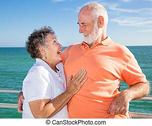 para, flirtując, senior