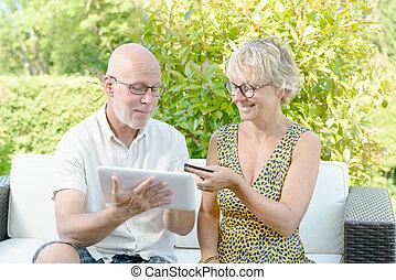 para, kupuje, wiek średni, online