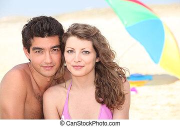 para, plaża, młody