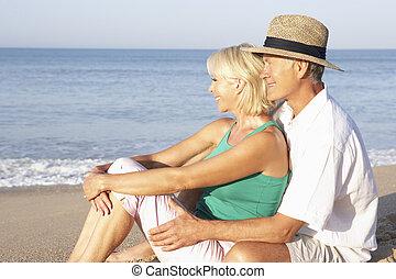para, plaża, senior, odprężając, posiedzenie