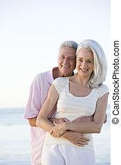 para, plaża, uśmiechanie się, obejmowanie
