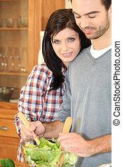 para, przygotowując, sałata
