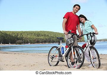 para, rowery, plaża, młody