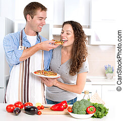 para, szczęśliwy, pizza., razem, jedzenie, gotowanie