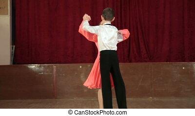 para taniec