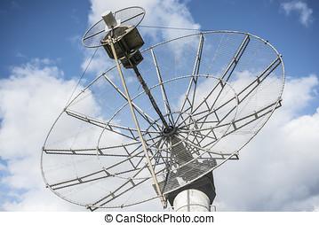 parabolic radioheliograph - radioheliograph parabolic...