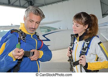 Parachutist fastening harness