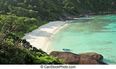 paradise tropical beach - idyllic tropical beach scene, Ko...