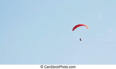 paragliding, aus, der, berge, gegen, klar, blauer himmel