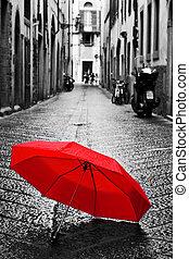 paraguas, town., lluvia, calle del cobblestone, rojo, viejo...