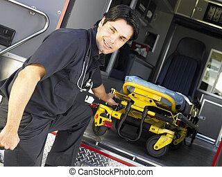 paramédico, el quitar, vacío, gurney, de, ambulancia