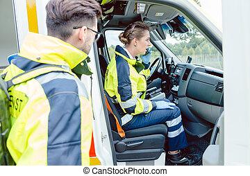 paramedics, ind, ambulance
