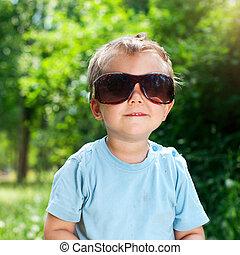 parc, été, lunettes soleil, garçon