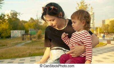 parc, alimentation, fille, maman