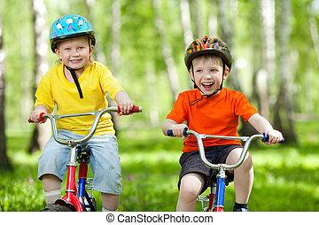 parc bicyclette, garçons, vert, amis, heureux