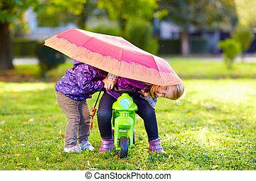 parc, deux, automne, soeurs, jouer, heureux