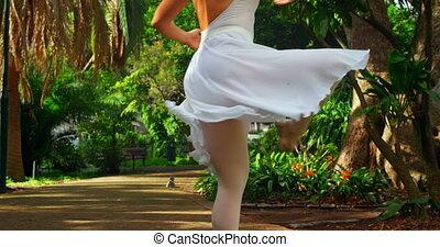 parc, femme, pratiquer, danseur, 4k, danse