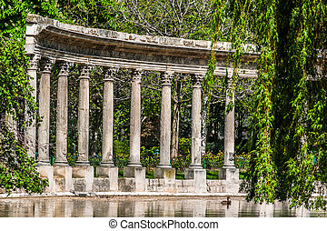 parc monceau columns paris city France