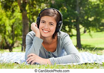 parc, musique, quelques-uns, femme, écoute