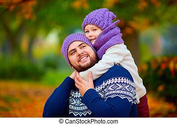 parc, père, fils, automne, embrasser, portrait, heureux