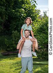 parc, père, sien, fils, épaules, porter, heureux