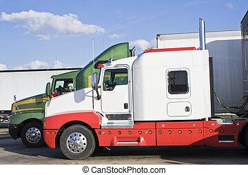 parcheggiato, semi-trucks