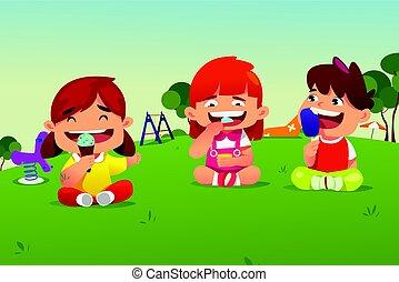parco, bambini mangiando, gelato