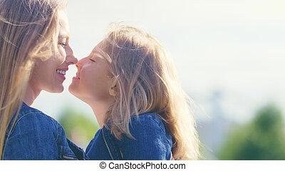 parco, sorridente, figlia, madre