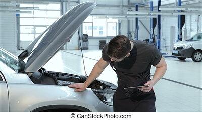 pare-chocs voiture, examine, mécanicien