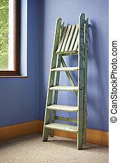 pared azul, escalera, mejoramiento de las condiciones del ...