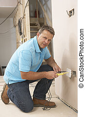 pared, electricista, instalación, enchufe